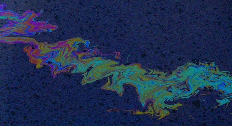 WaterPollutionOilDeule-1024x558.jpg